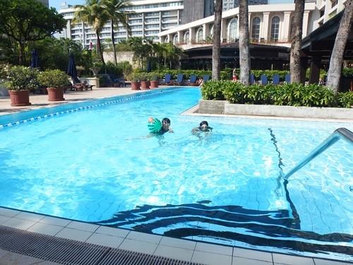 ホテル(ザ・ペニンシュラマニラ)のプール