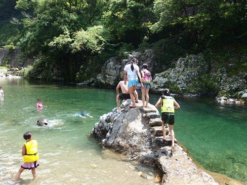 板取川 飛び込み石
